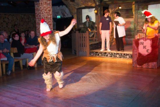 die Ur-Ministerin beim flotten Tanz