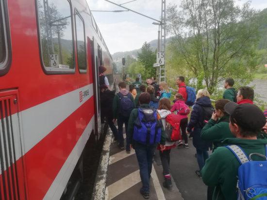 Mit dem Zug geht es wieder zurück nach Dresden.Zugbegleiter träumen von grünen Jacken...